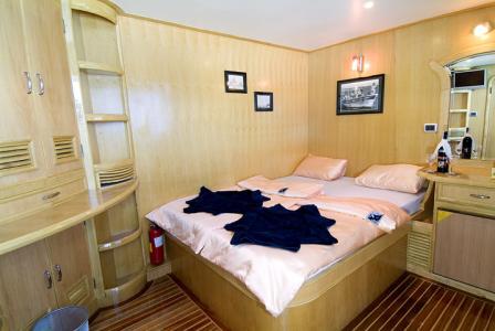 Suite (Main Deck)