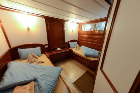 Twin-berth Cabin (Lower Deck)