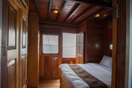 Upper Double Cabin