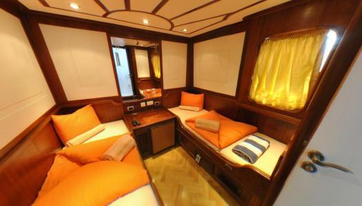 Twin-berth Cabin (Main Deck)