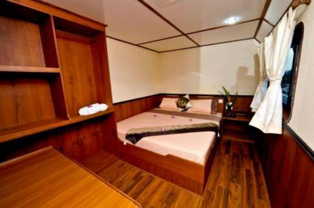 Deluxe En‐suite Double Cabin (Main Deck)