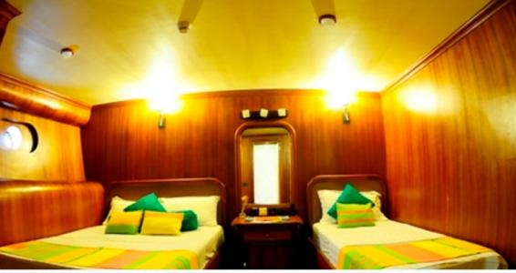 Double + Twin Bed Cabin