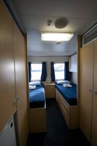 Double / Quad Cabin (1 & 2)