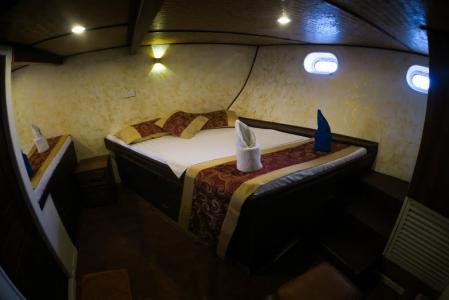 Double + Twin Cabin