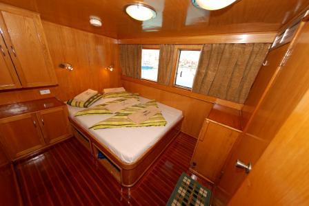 Kingsize Bed Cabin