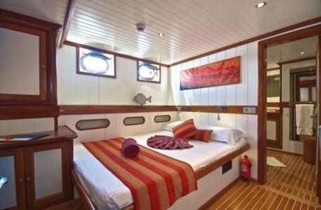 Double Bow Cabin (Cousine, Curieuse)