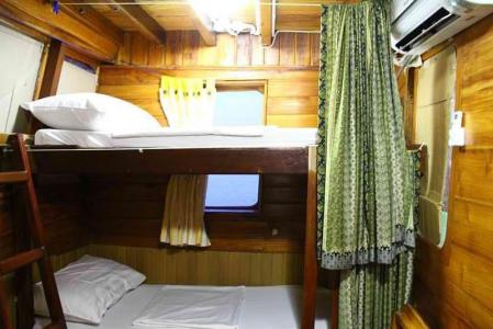 Twin Bunk Bed Cabin (Main Deck)