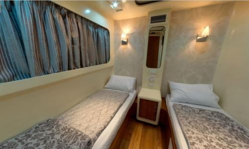 Twin Bed Cabin (Upper Deck)
