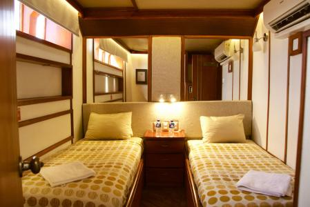 Twin / Double Cabin