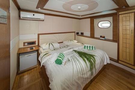Twin / Double Cabin Upper Deck