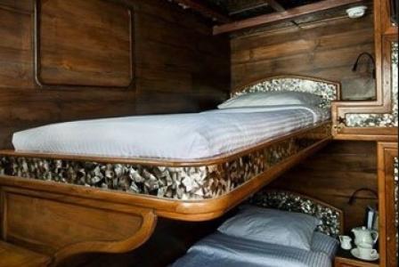 Deluxe Bunk Bed