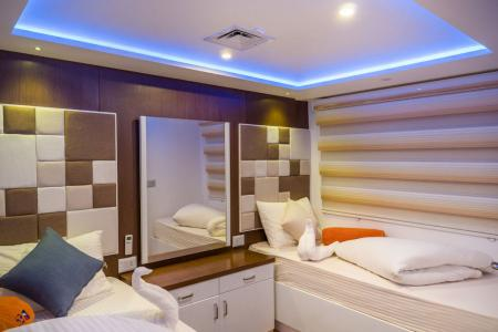 Twin Bed Cabin Main Deck