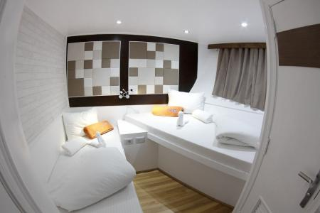 Twin Bed Cabin (Lower Deck)