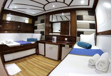 Twin-berth Cabin (Lower Deck)