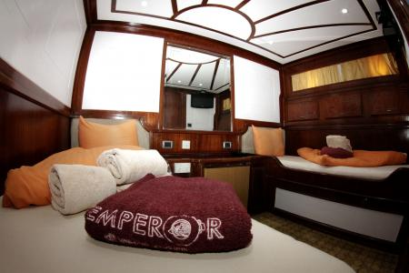 Twin-berth Cabin (Main Deck)