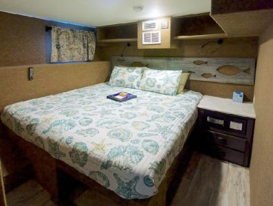 Deluxe Staterooms (#3, 5, 6, 7, 8)