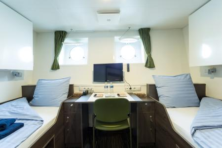 Twin Cabin with Porthole