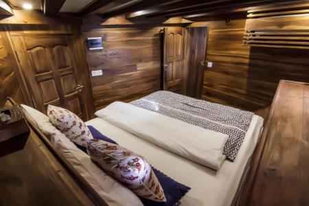 Lower Standard Cabin